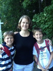 Heidi Qua & her sons